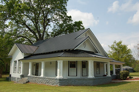 This Wonderful C1920 Spacious Rambling Farm Style Bungalow With Appealing Wrap Around Front Porches Screened Back Porch Large High Ceiling Rooms