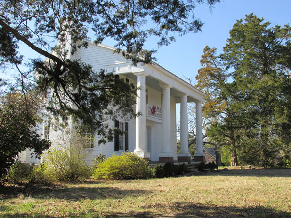 Antebellum architecture on pinterest louisiana south for Civil war plantation homes for sale